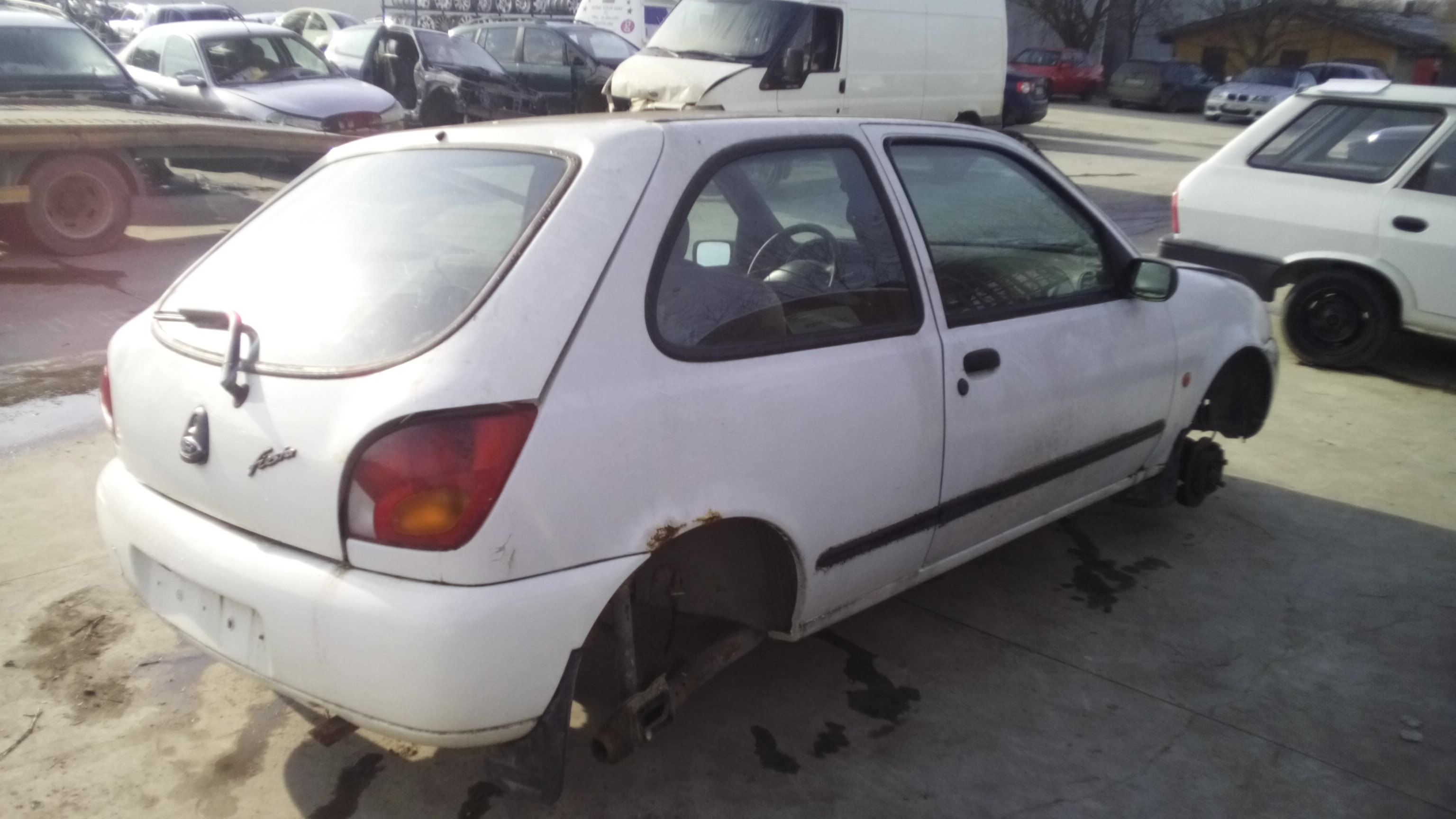 Ford Fiesta iv - Image 6