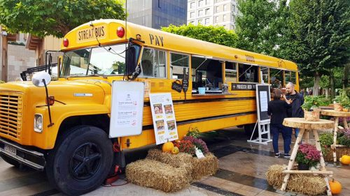 food truck – school bus american